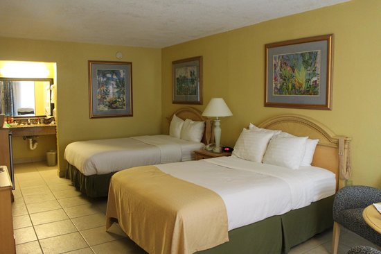 Wyndham Garden Fort Myers Beach: regular room