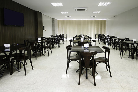 Brisa Tower Hotel: Restaurante