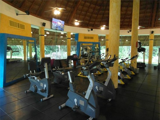 Hotel Barcelo Maya Beach:                                     A part of the gym