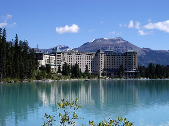 nice view picture of fairmont chateau lake louise lake. Black Bedroom Furniture Sets. Home Design Ideas