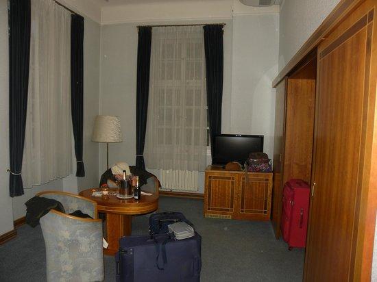 Hotel Pod Vezi:                   Camera molto grande e confortevole.
