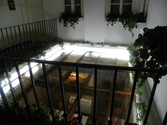 Hotel Pod Vezi:                   Giardino d'inverno
