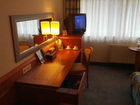 Hotel Nadmorski:                   Desk area