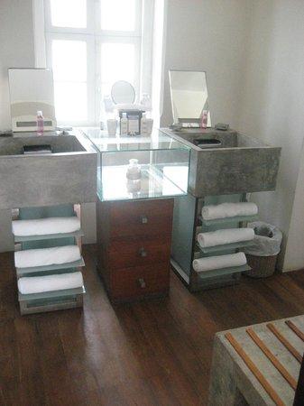 CASA Colombo Collection:                   salle bain
