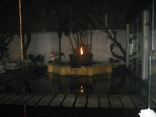 Casa Colombo:                   piscine le soir