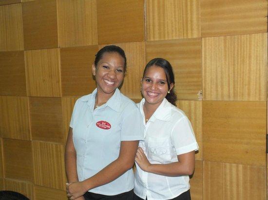 Hotel Lanville Athenee:                   Daniela y Danielle las chicas de recepcion