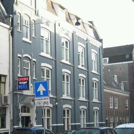 Euphemia Hotel:                   het ho(s)tel