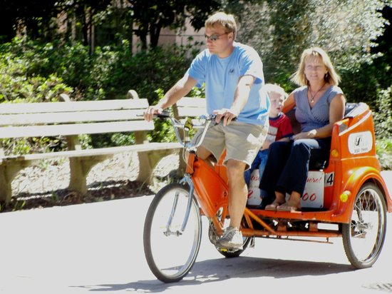 Savannah Pedicab : Pedicabs are Family Fun & take the hassel out of Parking.