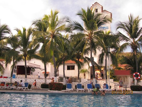 Gran Festivall All Inclusive Resort:                   pool area