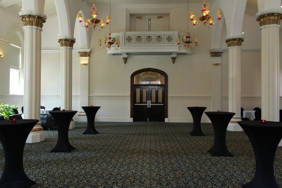 Hostelling International - New York: Ballroom