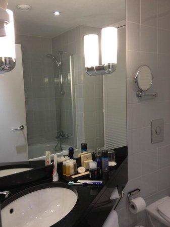 كيه آند كيه هوتل ماريا تيريزا:                   Bath                 