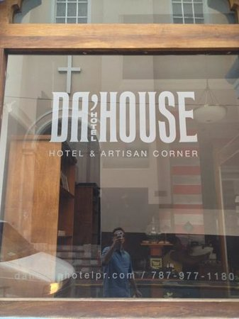 Da House Hotel:                                     boutique with flair.