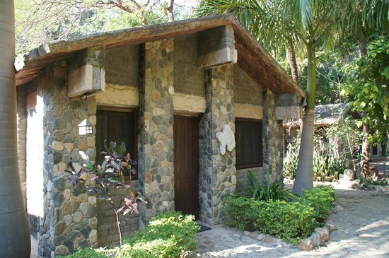 Leopards Lair Resort:                   bungalow