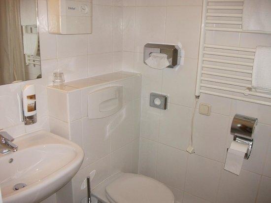 Residenz Hotel Eurostar:                   Bathroom (ensuite)