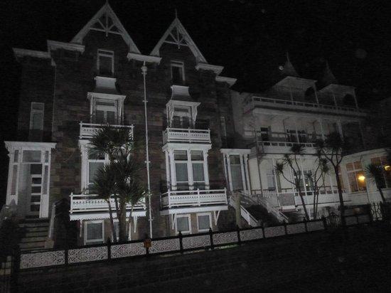 Ommaroo Hotel:                   half of hotel  at night