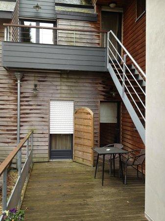 LeCoq Gadby: Entrée terrasse de la chambre