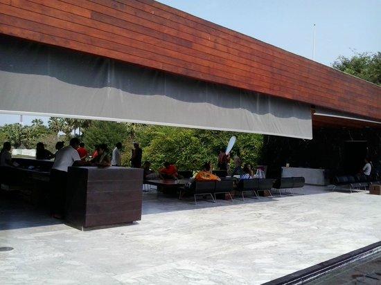 Hotel So Sofitel Hua Hin:                   Reception