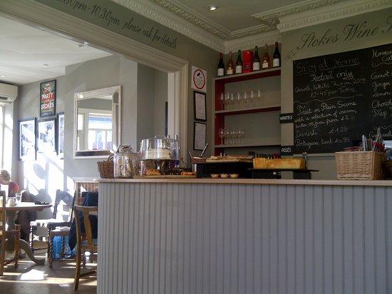 Stokes of Stockbridge: The bar / servery area