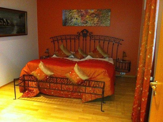Hotel Glymur:                                     bedroom