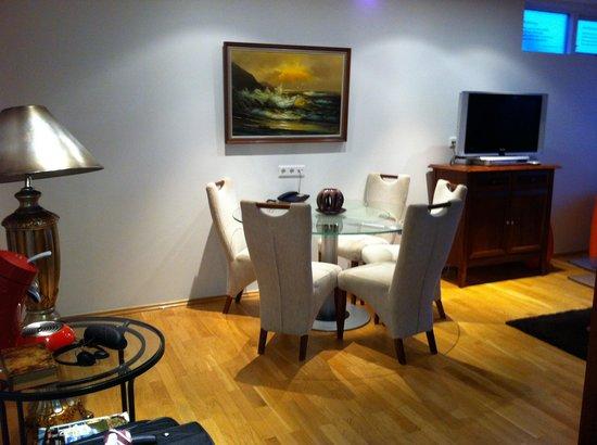 Hotel Glymur:                                     master suite