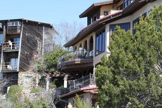 La Villa Vista:                   Perched on the hillside of the Oasis Pass