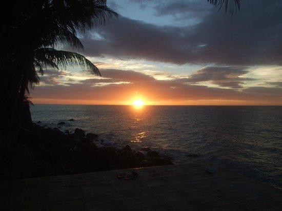 Camiguin Volcan Beach Eco Retreat & Dive Resort:                   beach