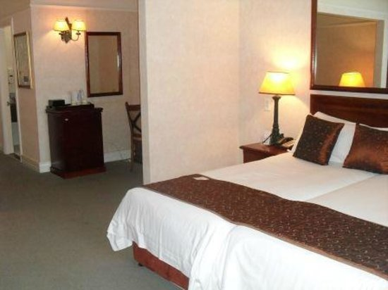 Balmoral Hotel:                                     Sea-facing bedroom