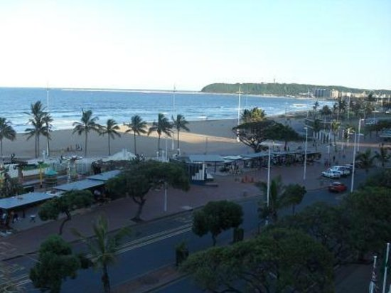 Balmoral Hotel :                                     View of the beach