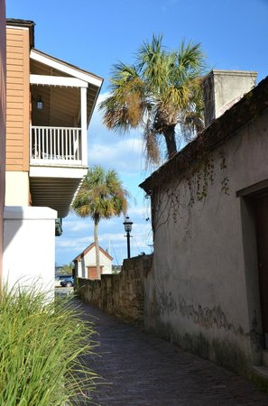 Shutterguide Tours:                   Treasury Street - St. Augustine