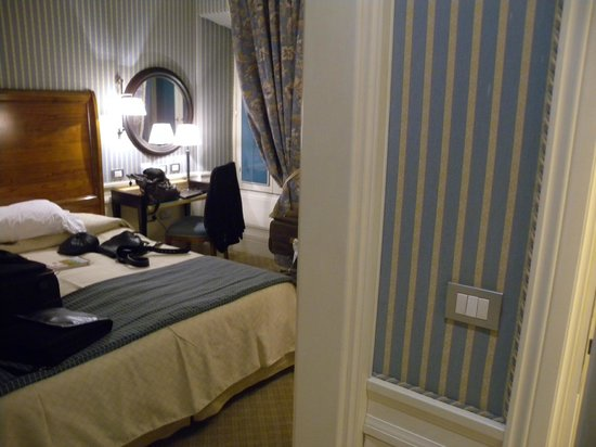 Hotel Stendhal:                   vue chambre