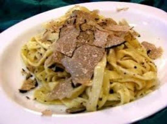 هوتل تيرينيا:                   Pappardelle con tartufi                 