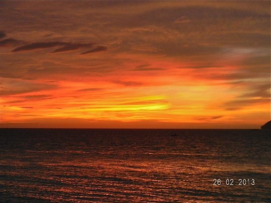 Shangri-La's Tanjung Aru Resort & Spa: tramonto