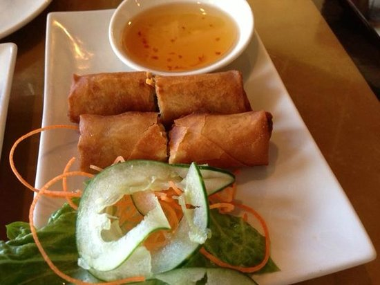 Lucky Corner: Crispy spring roll (pork, shrimp,carrot, mushrooms)