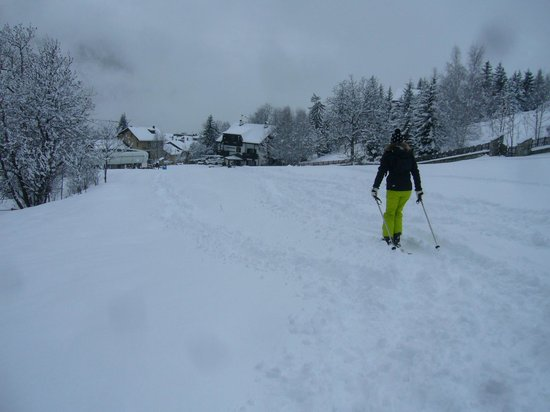 Hotel Edelweiss:                   The short ski down to the Jovenceaux lift