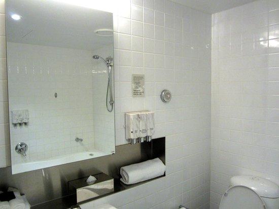 Punthill Little Bourke: Huge bathroom