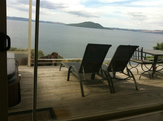Peppers on the Point - Lake Rotorua:                   Cottage View