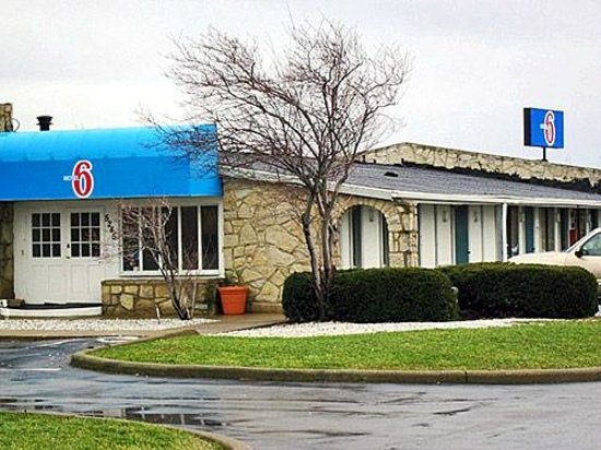 Motel 6 Hamburg : Welcome to Motel 6 - how can we help you?