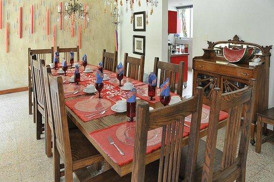Casa de Las Bugambilias B&B:                   dining room