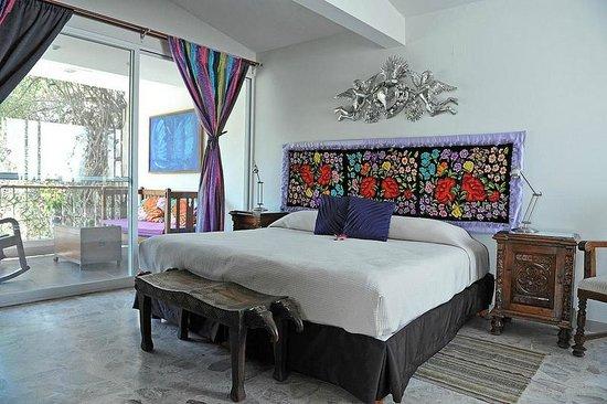 Casa de Las Bugambilias B&B:                   Violetta's room