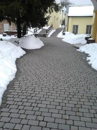 Arbachmühle:                   Snow at the entrance