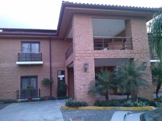 Hotel Rincon del Llano:                   frente