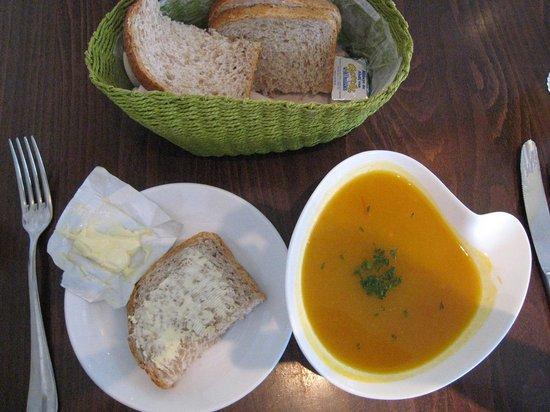 Bistro Sint Anna:                   Squash Soup