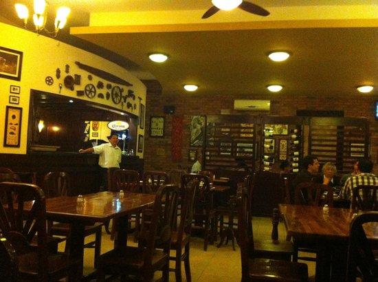 La Rueda dinning area