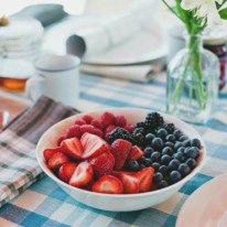 Novotel Coffs Harbour Pacific Bay Resort: fruit platters available with packages in tranquility day spa