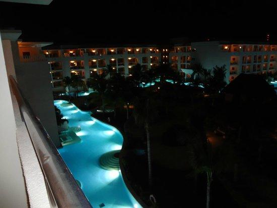 Paradisus Playa Del Carmen La Esmeralda:                   view looking down from balcony