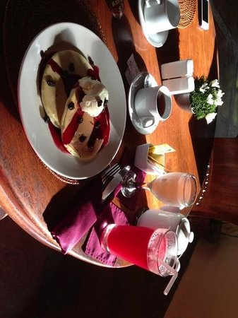Junjungan Ubud Hotel and Spa:                   pancake breakfast