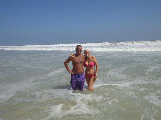 Isla Caribe Beach Hotel:                   Disfrutando el mar