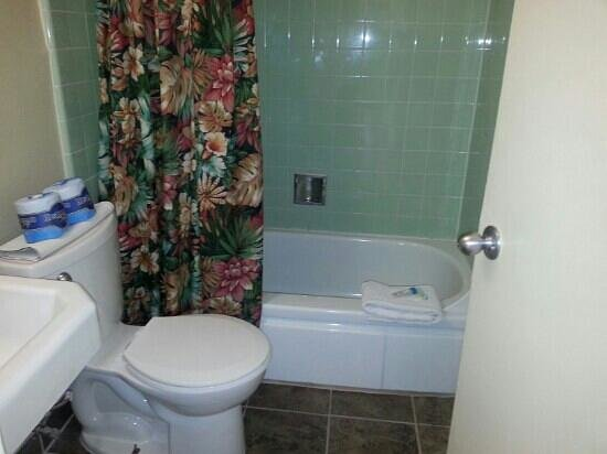 Townhouse Upstairs Bathr Picture Of Key West Nas Fly Navy Key