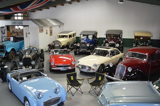 Hooters Vintage and Classic Vehicle Hire Ltd: Hooters Showroom