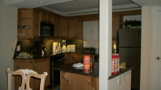 Sandestin Golf and Beach Resort:                   kitchen